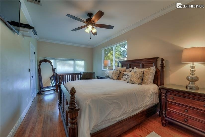 Master bedroom, also offers a crib for those with family.