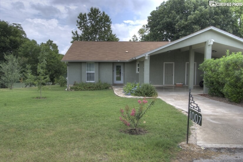 image 3 furnished 2 bedroom Townhouse for rent in Seguin, North Central TX