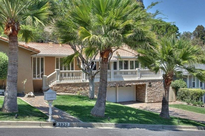 image 15 furnished 5 bedroom House for rent in Redwood City, San Mateo (Peninsula)