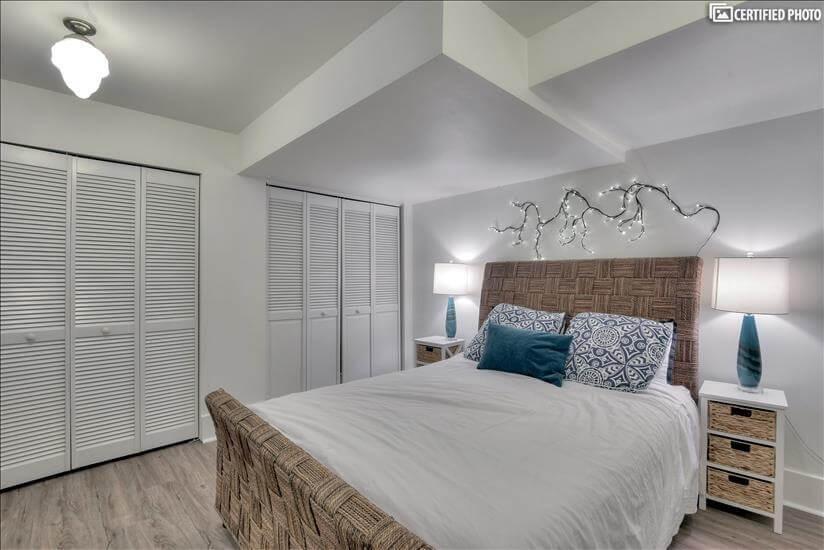 Queen bed with nightstands