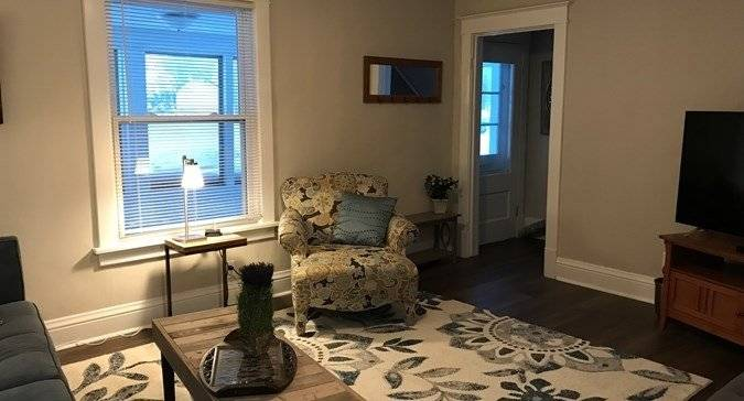image 2 furnished 2 bedroom House for rent in Libertyville, North Suburbs