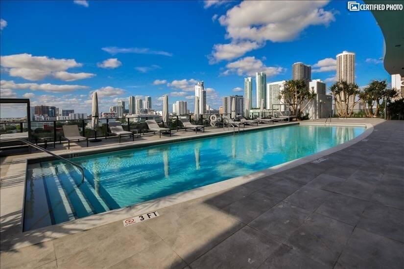 9th Floor Pool