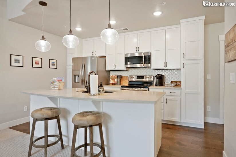 """Ample counter space for """"eat-in"""" dining or food prep!"""