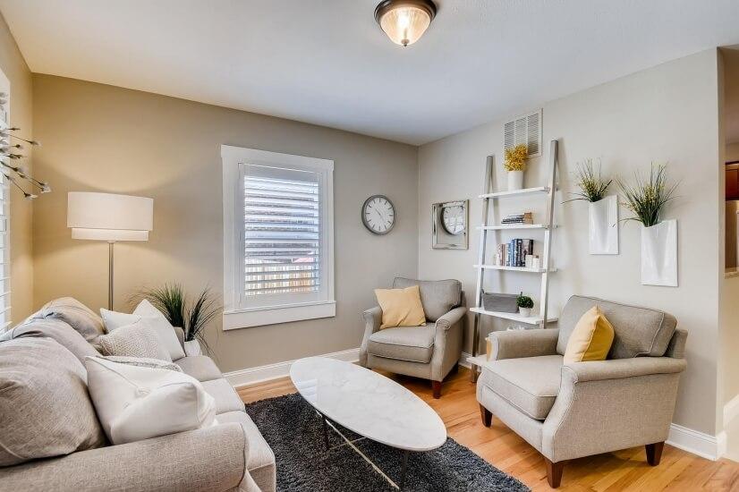 Cozy and quaint living room