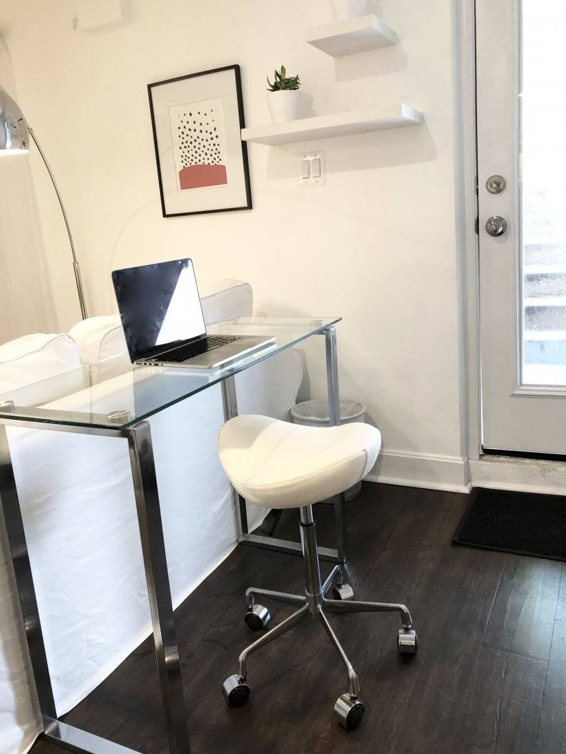 Ergonomic saddle chair for home office area