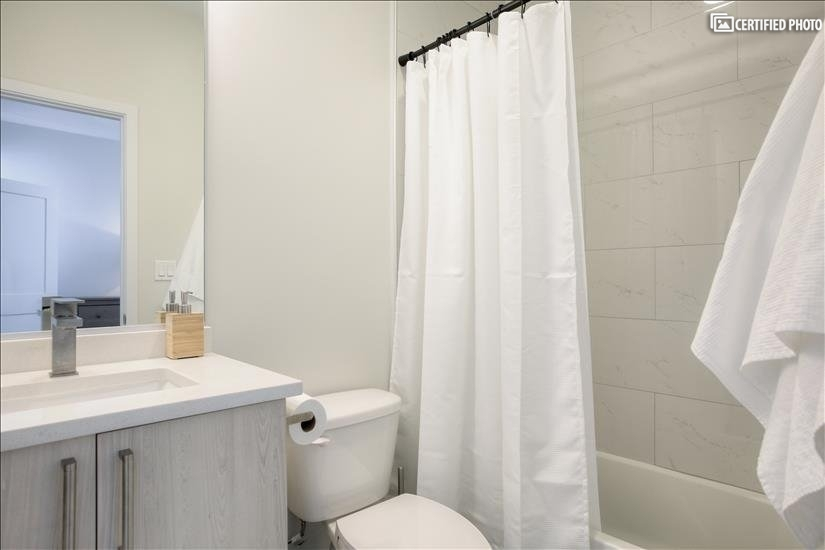 Pristine 2nd Bedroom Bathroom