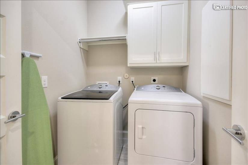 Washer / Dryer located on top level