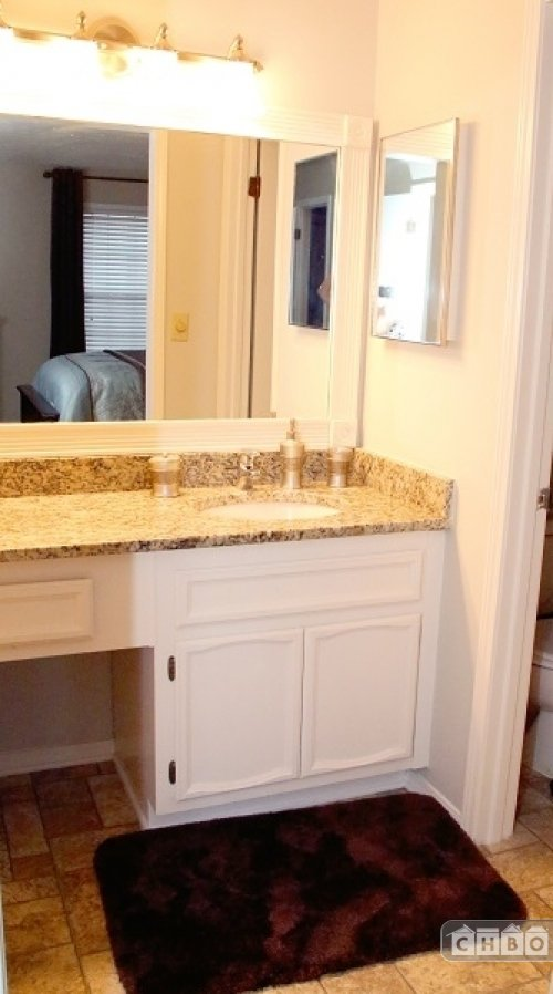 image 2 furnished 2 bedroom Townhouse for rent in Sandy Springs, Fulton County