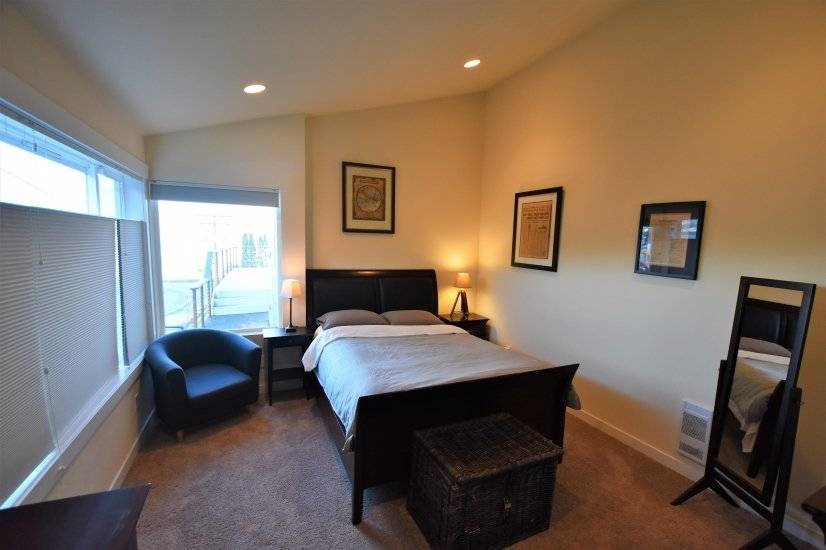 image 7 furnished 3 bedroom House for rent in Des Moines, Seattle Area