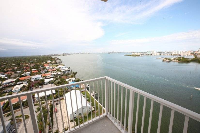image 2 furnished 2 bedroom Townhouse for rent in Miami Shores, Miami Area