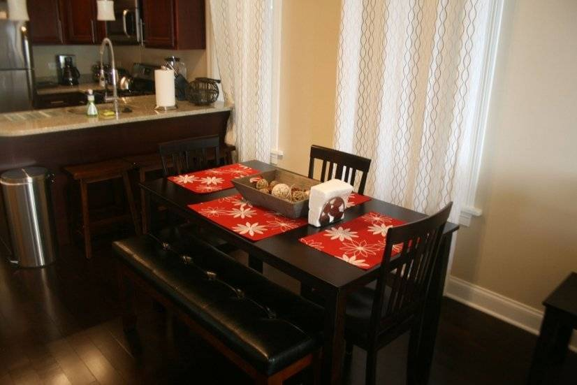 image 9 furnished 2 bedroom Apartment for rent in North Center, North Side