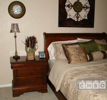2nd Bedroom With Queen Bed, HDTV, and Cable