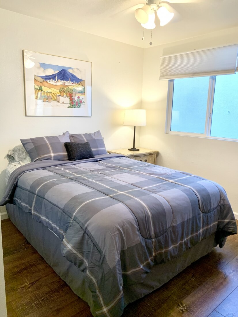 Natural light ,24/7 breeze, and furnished high end