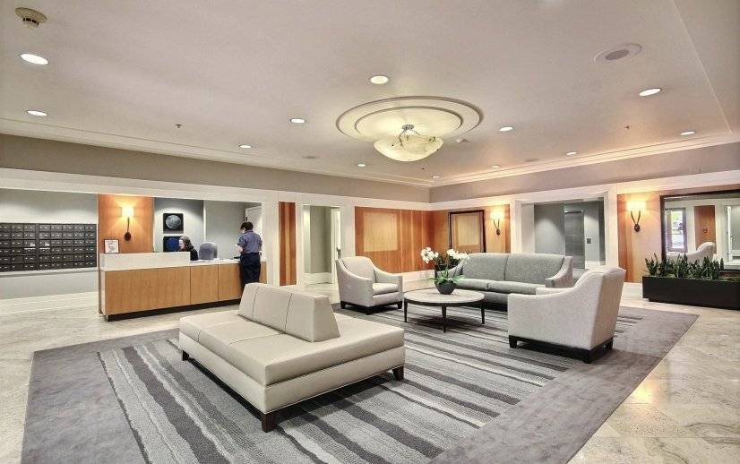 Lobby with concierge, business center and conference room.