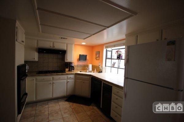 image 5 furnished 2 bedroom Townhouse for rent in Canoga Park, San Fernando Valley