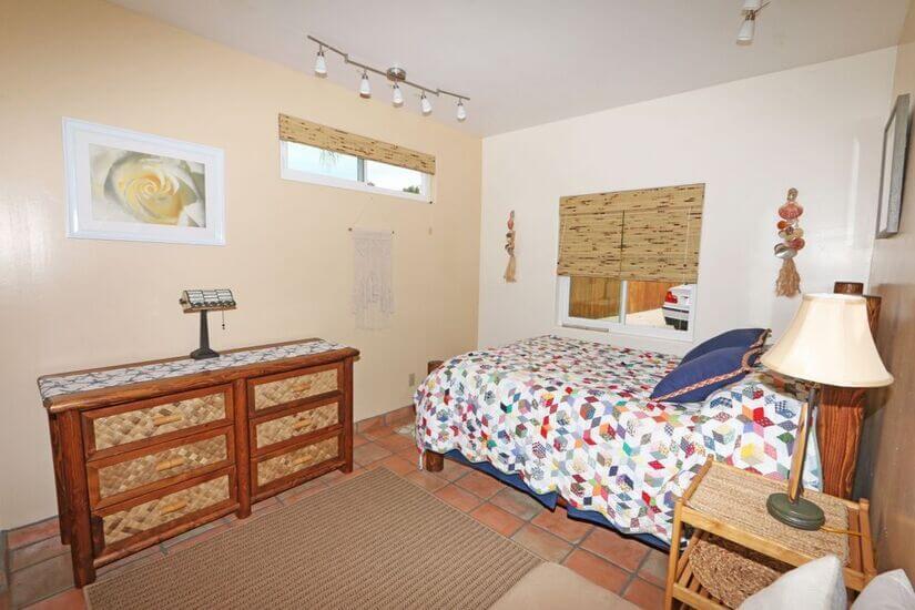 Downstairs full tempurpedic guest bedroom