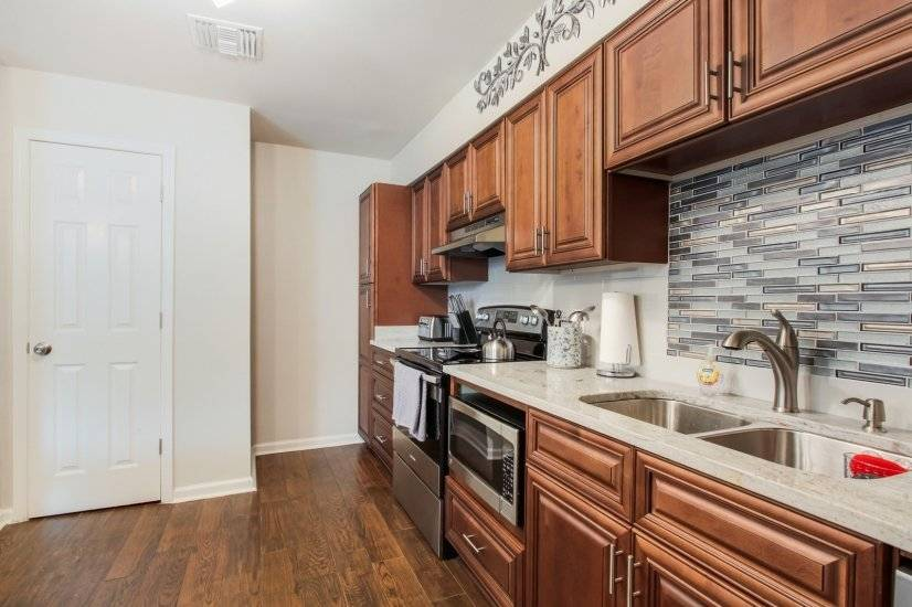 image 10 furnished 2 bedroom Townhouse for rent in Mid-City, New Orleans Area