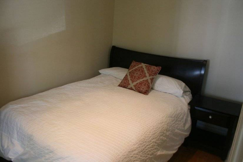 image 4 furnished 3 bedroom Apartment for rent in North Center, North Side