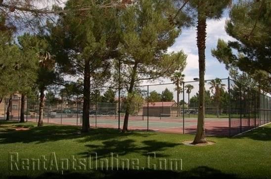 Tennis Coiurts