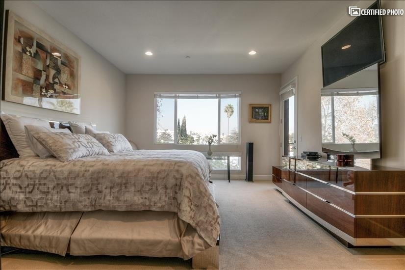 image 16 furnished 3 bedroom Townhouse for rent in North Hollywood, San Fernando Valley