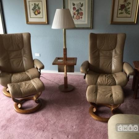 Living Room-Leather Recliners