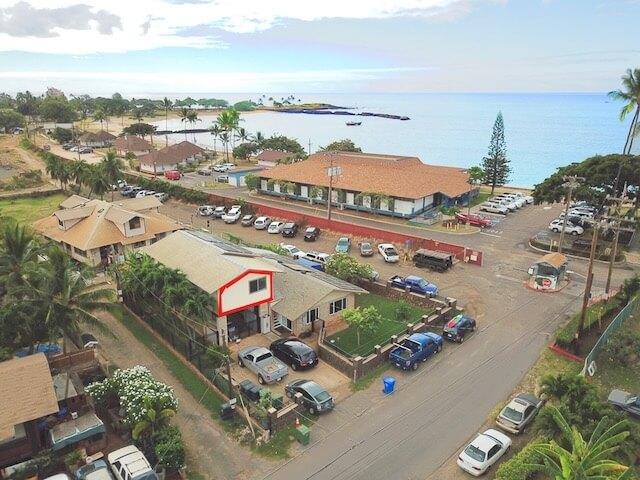 Beach House by 604 restaurant between rental and beach