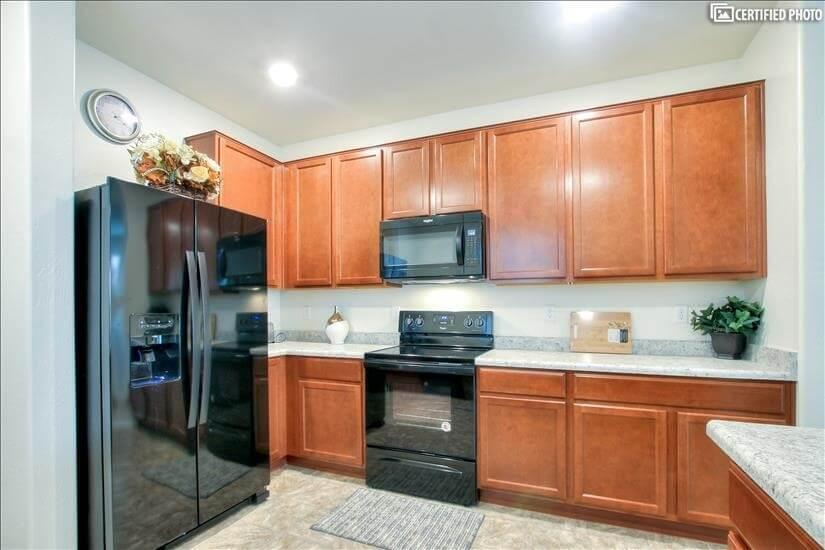 Gourmet Kitchen, Quality Cabinets, & Wilsonart Countertops