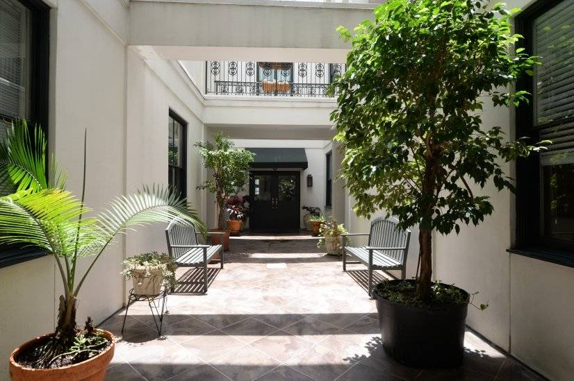 Garden District Furnished 2 Bedroom Townhouse For Rent 4000 Per Month Rental Id 3367381