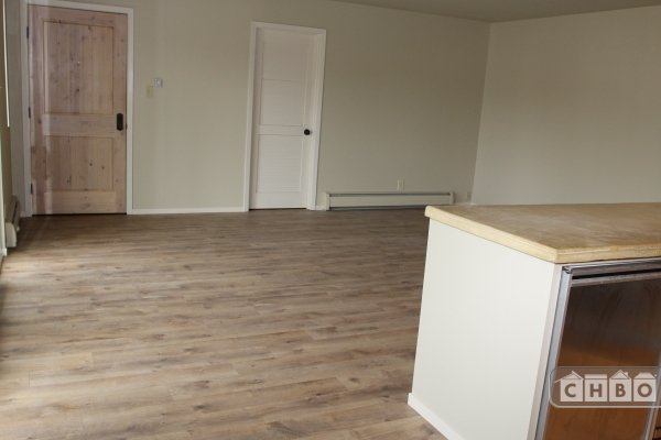 image 9 unfurnished 2 bedroom Apartment for rent in Healdsburg, Sonoma County