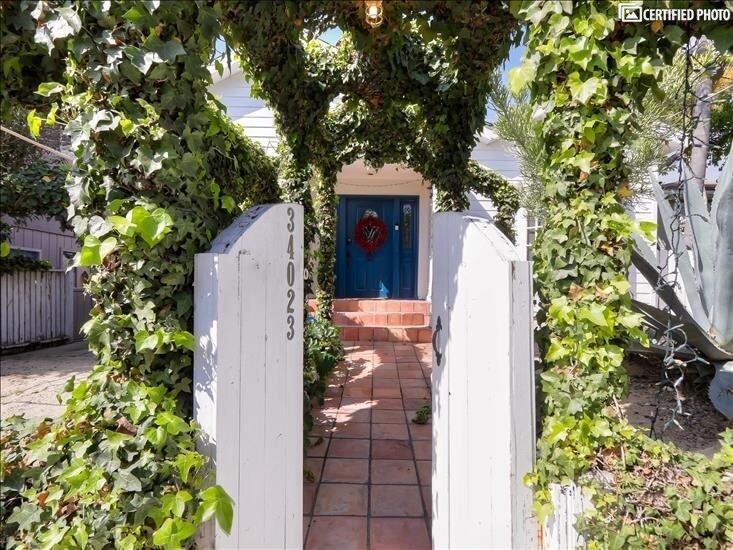Front Walkway to Front Door