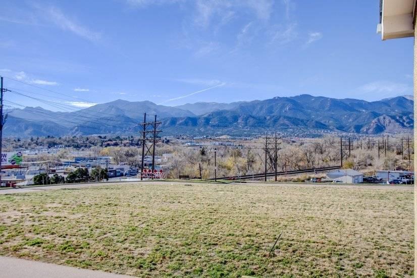 $1850 1 Divine Redeemer Colorado Springs, South Central Colorado