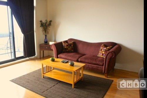 image 2 furnished 1 bedroom Townhouse for rent in Bridgeport, South Side