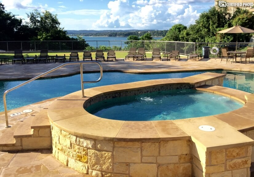 Pool with views to the lake