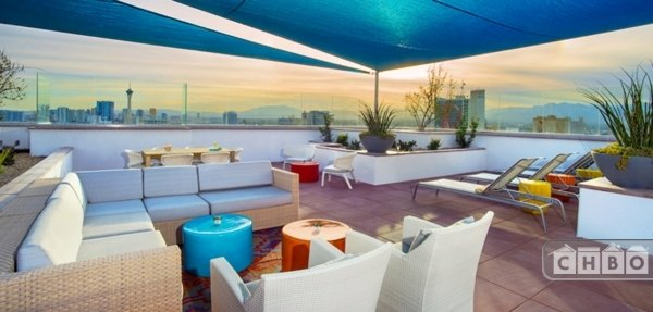 Rooftop Deck & sitting area