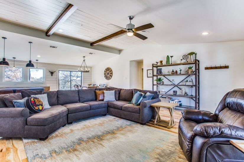 image 4 furnished 5 bedroom House for rent in Lake Dallas, Denton County