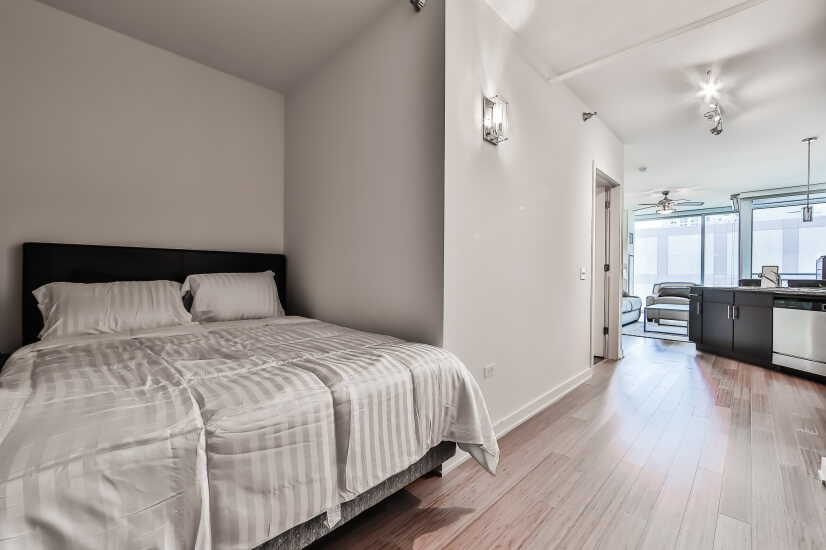 image 4 furnished Studio bedroom Apartment for rent in Near North, Downtown