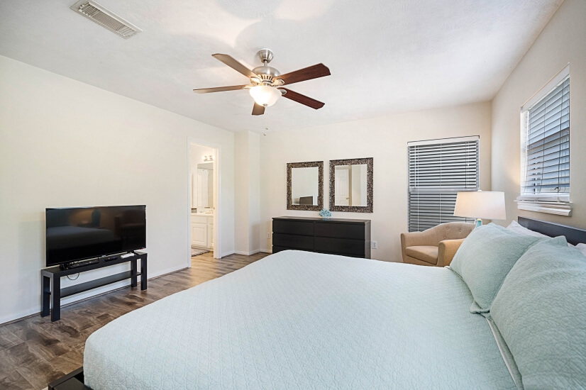 Master Bedroom with Roku Television & all Cable Channels