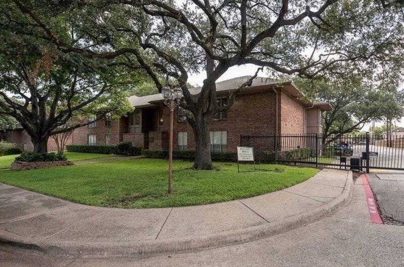 image 19 furnished 1 bedroom Townhouse for rent in Melshire Estates, Dallas