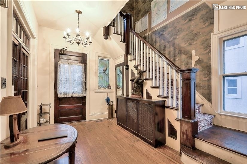 image 4 furnished 4 bedroom House for rent in Fort Lee, Bergen County