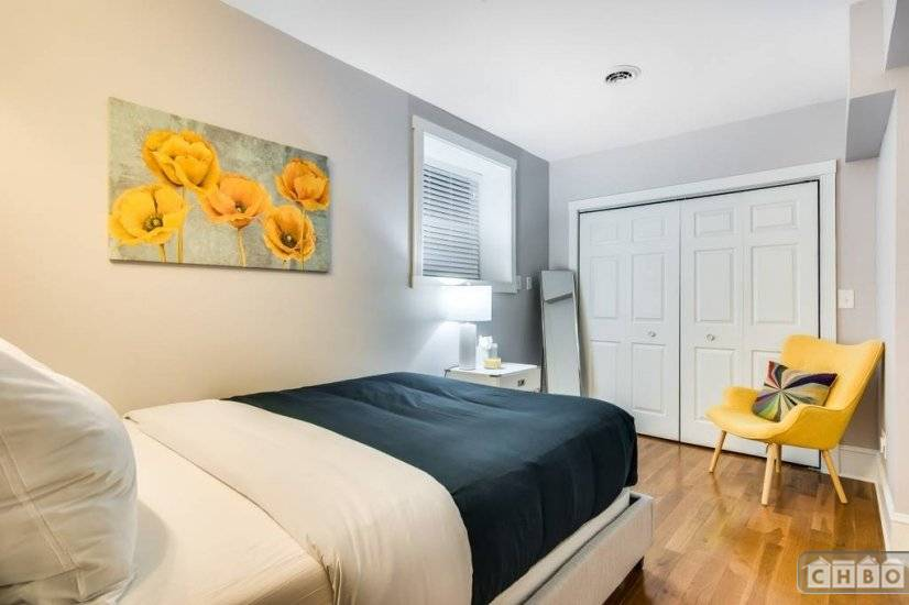image 10 furnished 2 bedroom Townhouse for rent in Lakeview, North Side