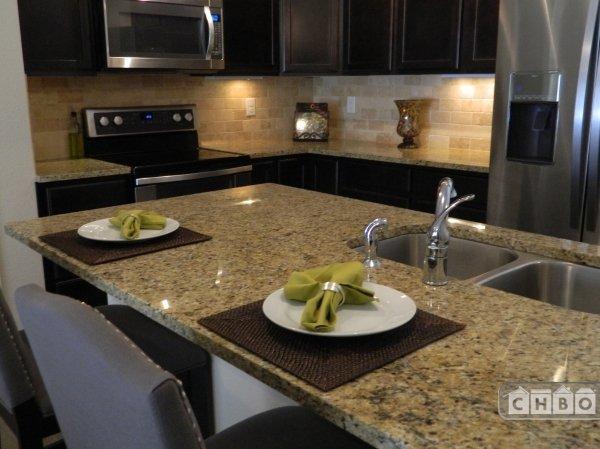 image 3 furnished 2 bedroom Townhouse for rent in Park Hill, Denver East