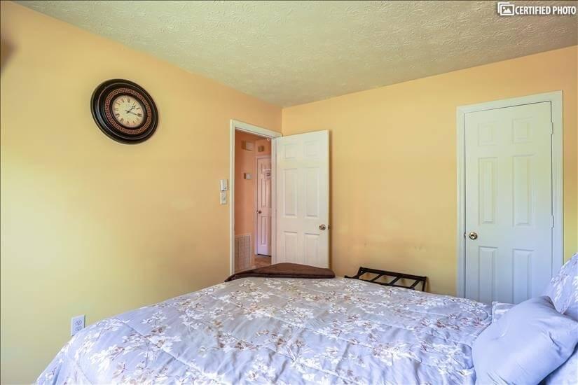 Guest Bedroom #2B