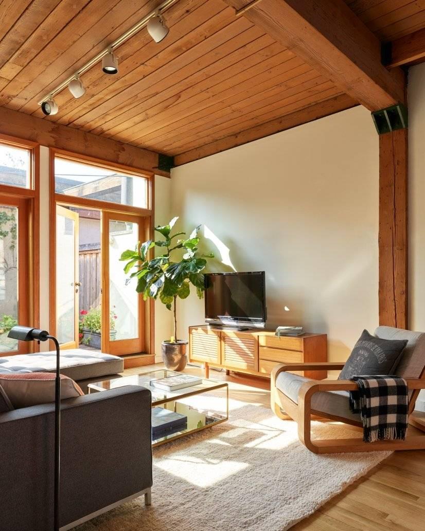 Loft - Living Room with Garden View