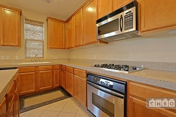 well layed out spacious kitchen.