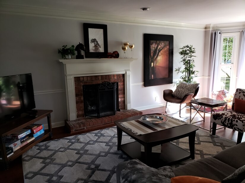 Gas fireplace, TV, games - light and bright s