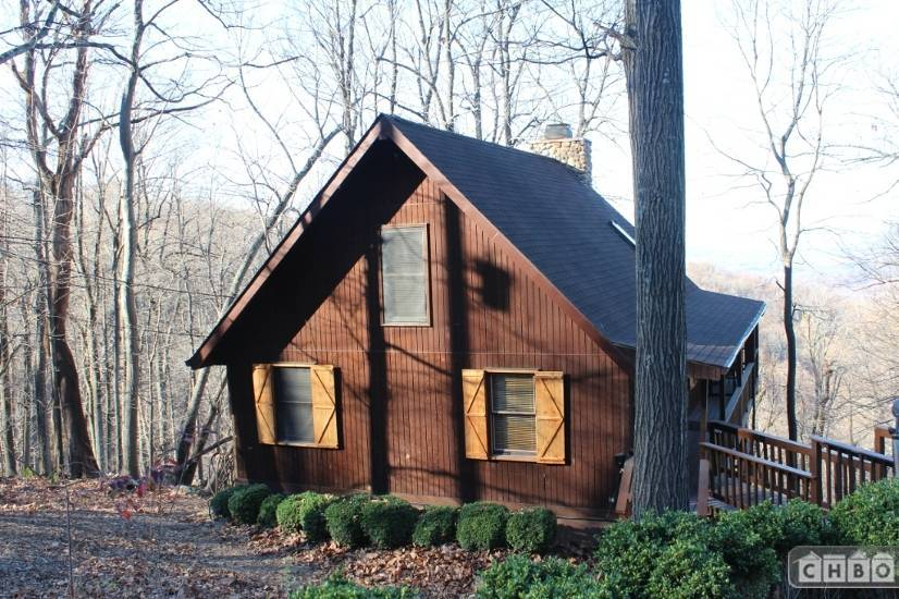 Exterior Front of Cabin