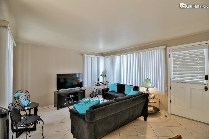 image 2 furnished 3 bedroom Townhouse for rent in Newport Beach, Orange County