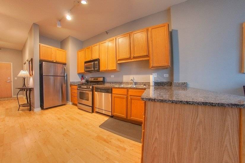 image 8 furnished 1 bedroom Townhouse for rent in Bridgeport, South Side