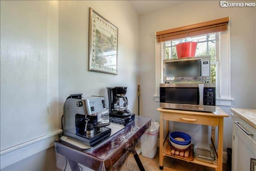 Expresso machine & Mr Coffee coffeemaker (Keu