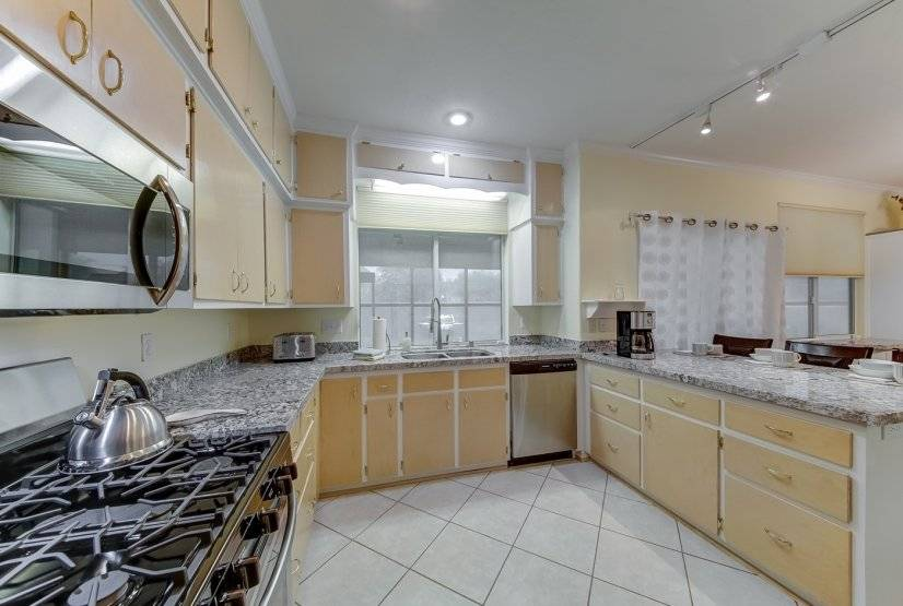 image 5 furnished 4 bedroom Townhouse for rent in Paradise, Las Vegas Area
